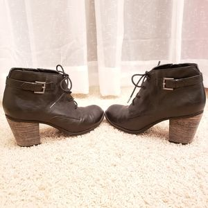 Diba Womens Black Heeled Booties W/ Buckle Detail